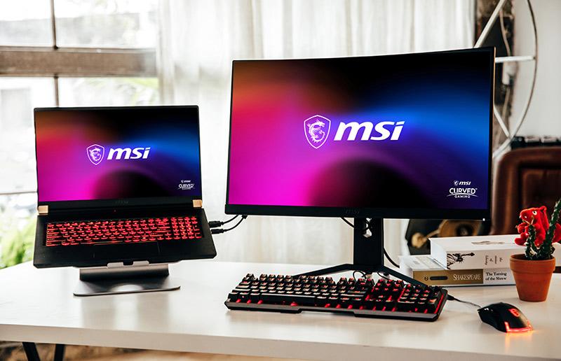 So verbindest du deinen Laptop mit mehreren Gaming-Monitoren