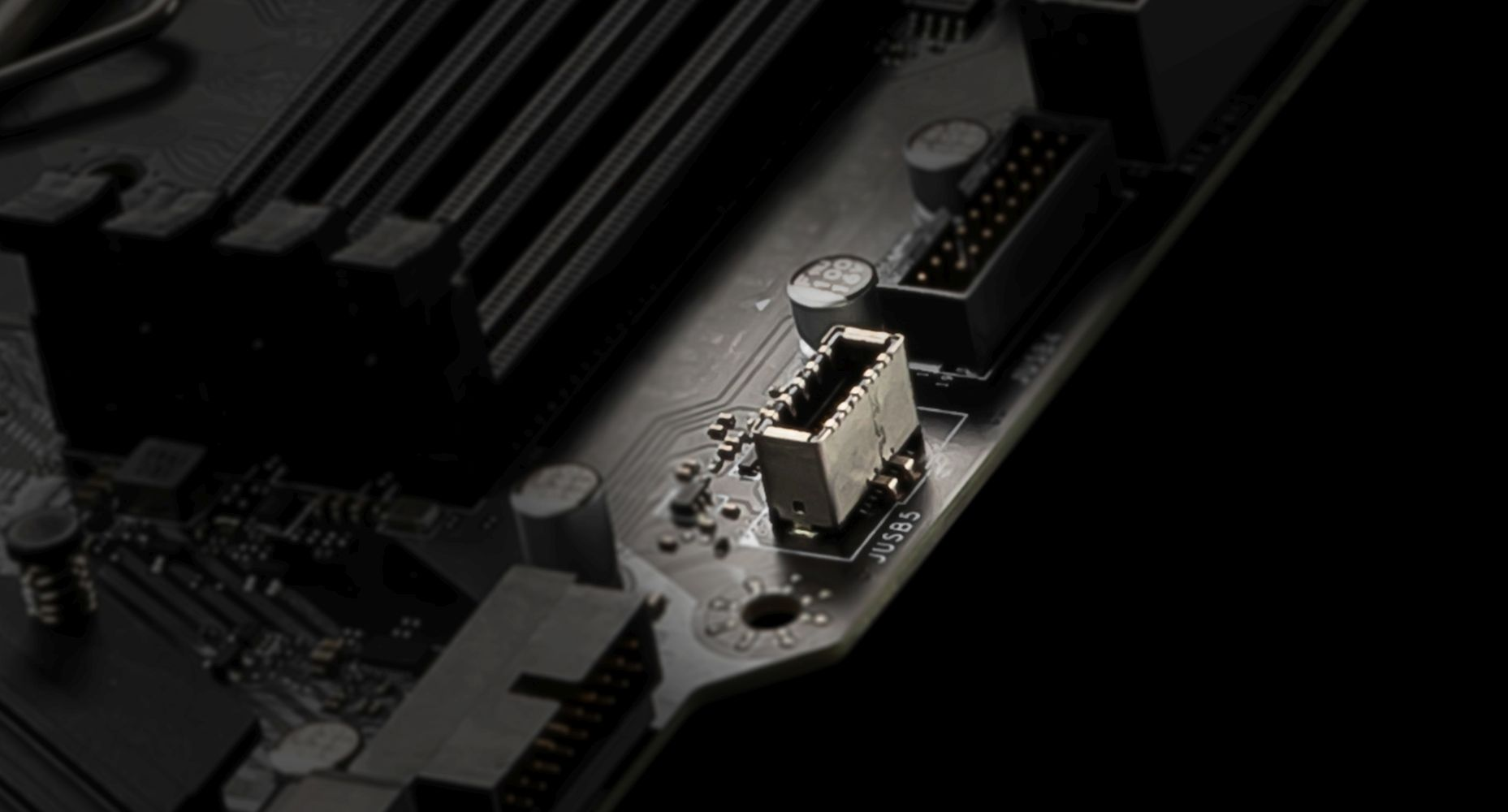 MSI B550M PRO-VDH USB Type-C ready in Front case panel