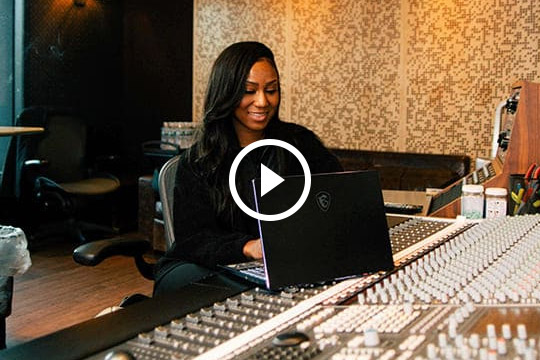 Kesha Lee - Creative Production Engineer | Prestige 14 | MSI